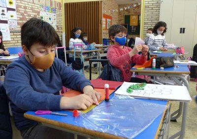 Protegido: 3º de Primaria: En Arts hicieron flores con bolitas de papel de seda